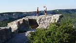 Пешеходный маршрут в Крыму, тур через горы к морю