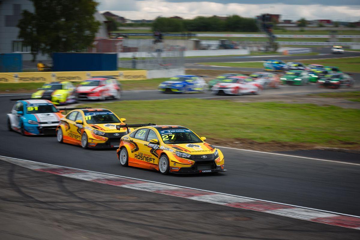 LADA Sport ROSNEFT: успешное возвращение на ADM Raceway