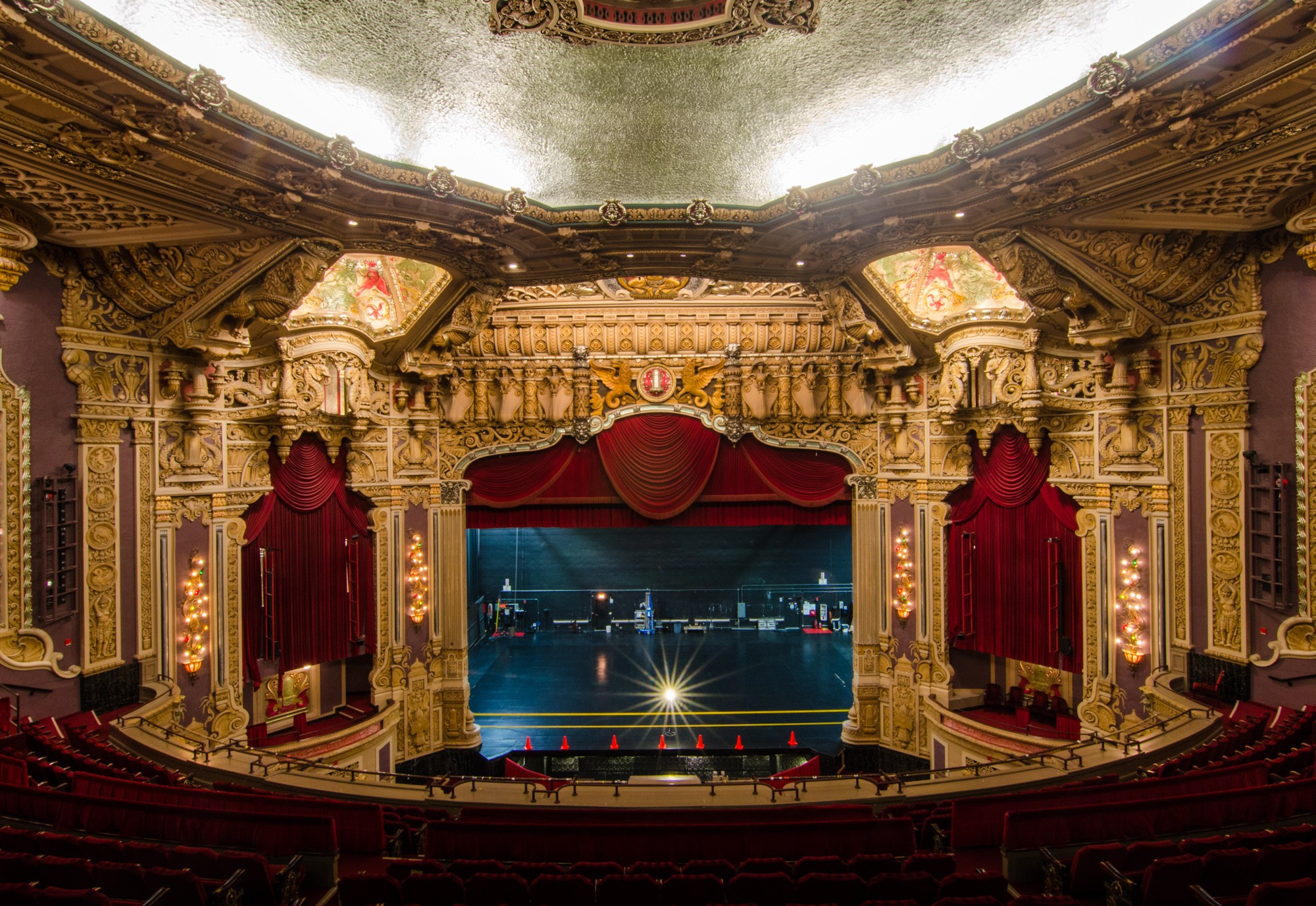 oriental-theatre-eric-allix-rogers-08.jpg