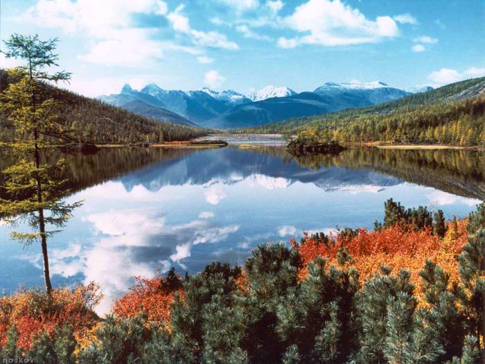 3. Озеро Джека Лондона, Магаданская область (700x525, 465Kb)