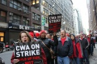 IndustriALL солидарен с 40000 бастующих работников Verizon