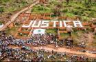 Сотни людей собрались, чтобы отметить годовщину трагедии на шахте в Бразилии