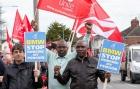 Британские рабочие BMW объявили забастовку в связи с угрозой сокращения пенсий