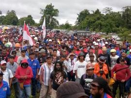 Комиссия по правам человека в Индонезии призывает восстановить рабочих Grasberg