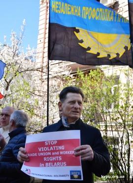 Глобальные союзы требуют прекратить нарушения прав трудящихся в Беларуси