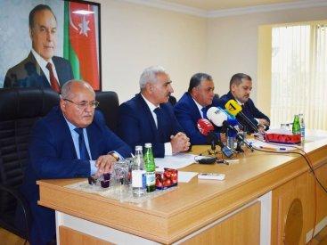 """ŞOK SİYAHI! Hansı məmur və deputatlar ADAU-dan """"sosial yardım"""" alır?"""