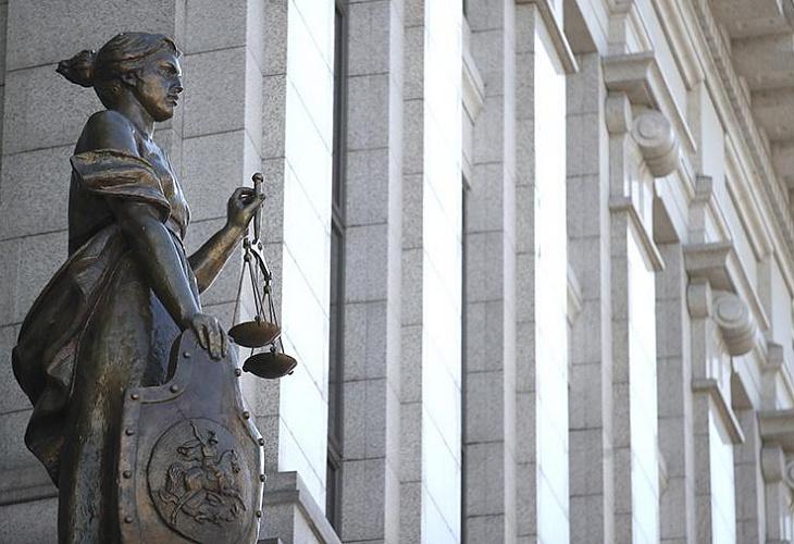 Президиумы ВС РФ и Совета Судей РФ до 30 апреля приостанавливают личный прием граждан и рекомендуют рассматривать только безотлагательные дела