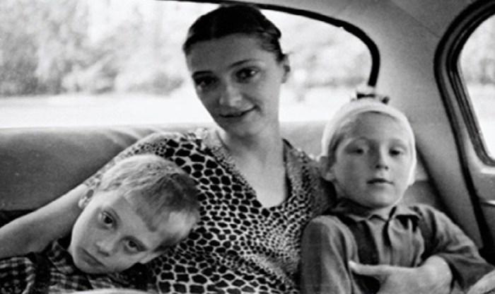 Людмила Абрамова с сыновьями. / Фото: www.mycdn.me