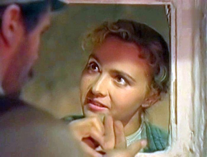 Маргарита Володина в фильме «Огненные вёрсты». / Фото: www.kino-teatr.ru