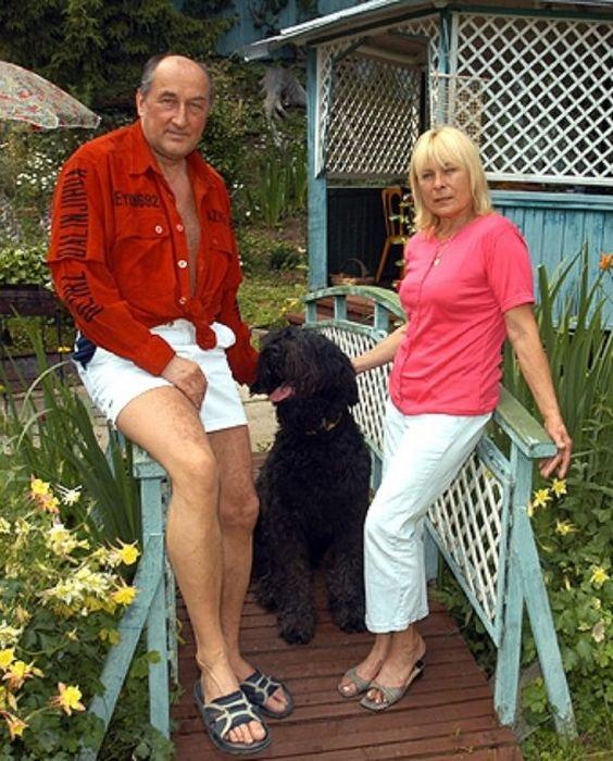 Борис Клюев с женой на даче. / Фото: www.mtdata.ru