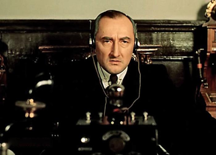 Борис Клюев в образе Майкрофта Холмса. / Фото: www.portal-kultura.ru