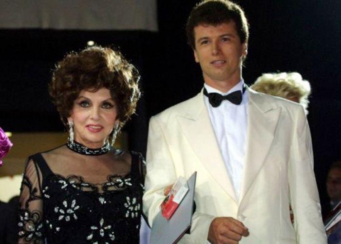 Актриса со своим молодым женихом – Хавьером Ригау   Фото: uznayvse.ru