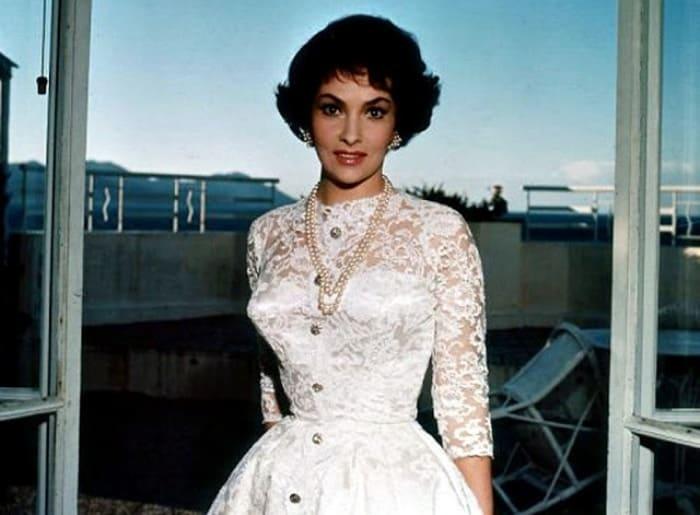 Знаменитая итальянская актриса, скульптор, фотограф Джина Лоллобриджида   Фото: bigpicture.ru