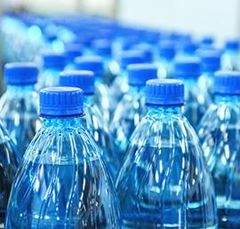 Партийцы Кизляра обеспечат бутилированной водой маломобильных граждан