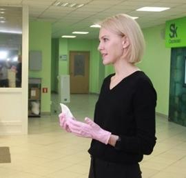 Алена Аршинова открыла в чебоксарской гимназии летний детский лагерь в онлайн-формате