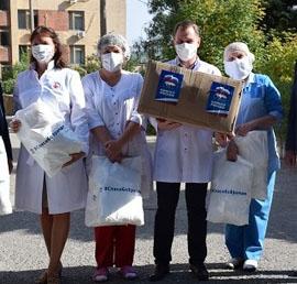 Волгоградские единороссы передали медикам партию средств индивидуальной защиты
