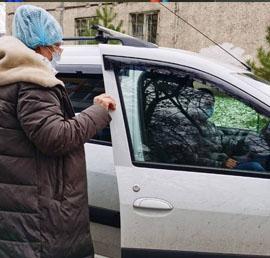 «Единая Россия» в Кузбассе предоставила два автомобиля для перевозки врачей