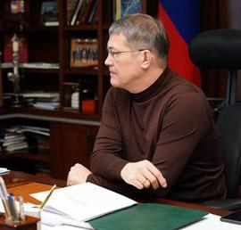 Радий Хабиров поможет многодетной семье погорельцев из Уфы