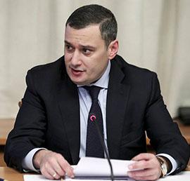 Александр Хинштейн передал компьютерную технику детям-погорельцам из Самарского района