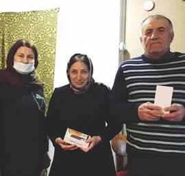 Дагестанский депутат подарил средства связи инвалидам по зрению