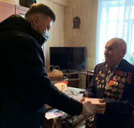 Более 48 тысяч ветеранов Великой Отечественной войны получили поздравления с Новым годом от добровольцев