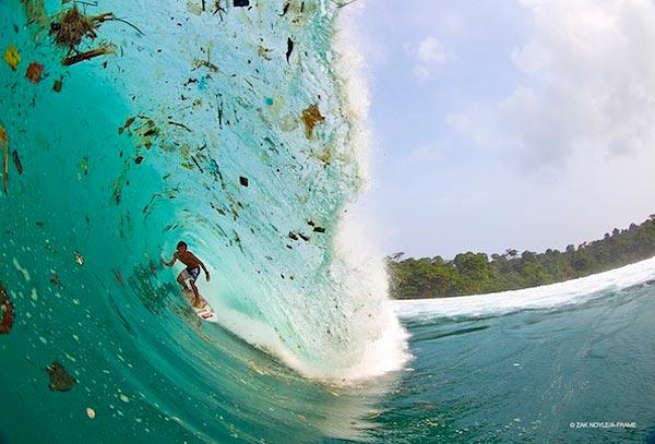 Необычный серфинг в Индонезии