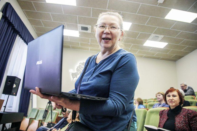 Лайк для бабушки: участники «Московского долголетия» изучают профессию блогера