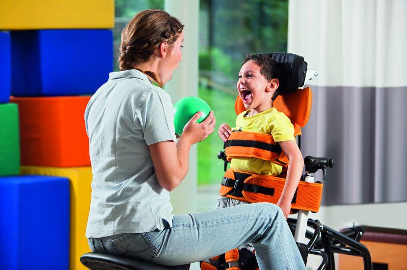 В Москве запущена программа поддержки родителей детей с тяжелыми двигательными нарушениями