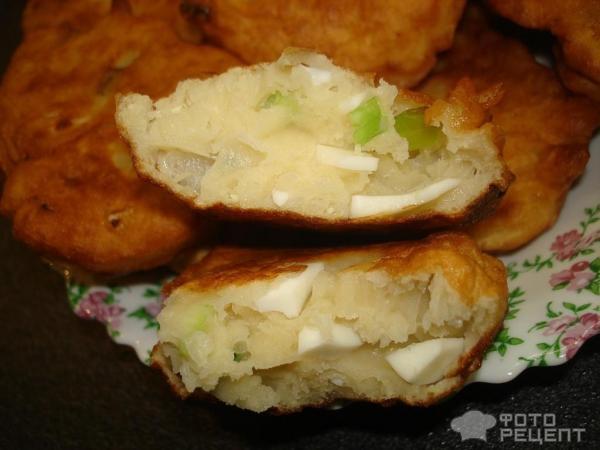 Ленивые пирожки с зеленым луком и яйцом фото