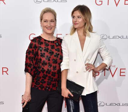 Слайд 33 из 41: Meryl Streep