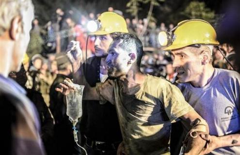 Число жертв на шахте в Турции растет, превращая аварию в массовое убийство
