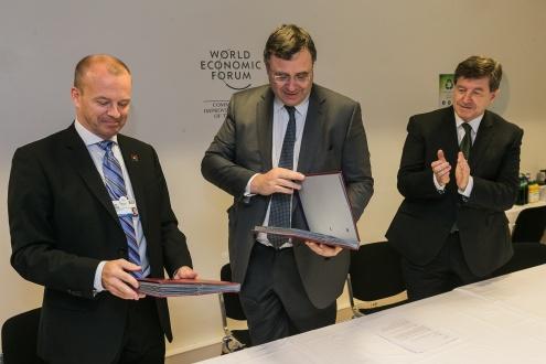 IndustriALL подписывает международное соглашение с Total