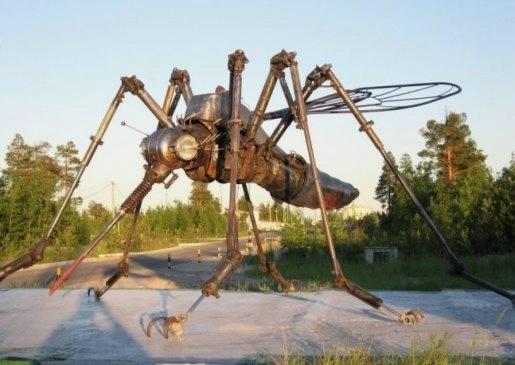 25.Памятник комару_Ноябрьск (515x365, 89Kb)