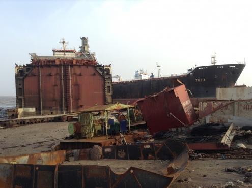 Индия: После гибели 5 рабочих судоверфи профсоюз усиливает борьбу за безопасность