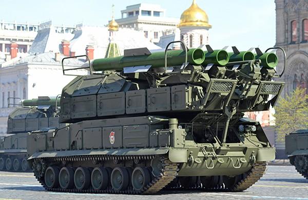 """Новый """"Бук"""" получит """"всеядную"""" ракету"""