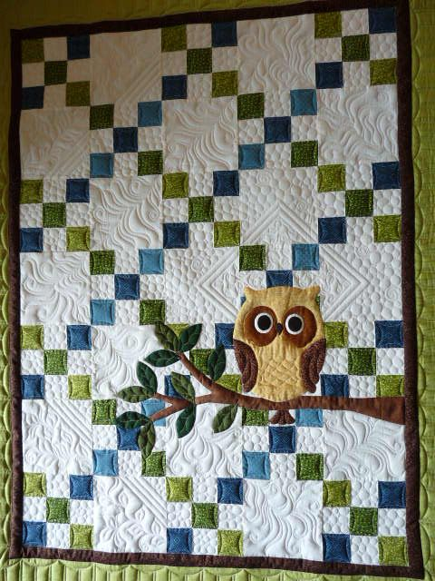"""Love the """"Hoot""""! Darling quilt by Margaretgunn @ MQR - I love the square on point in the background - great touch!  """"help 012.JPG"""""""